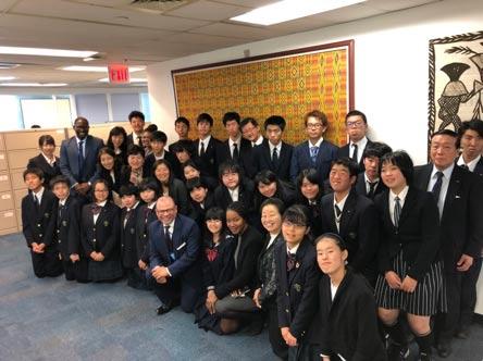 星槎高校ニューヨーク海外研修プログラム 参加者全員での記念撮影